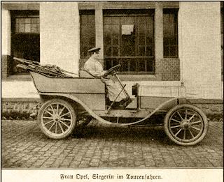 Frau Opel, Siegerin im Tourenfahren 1906