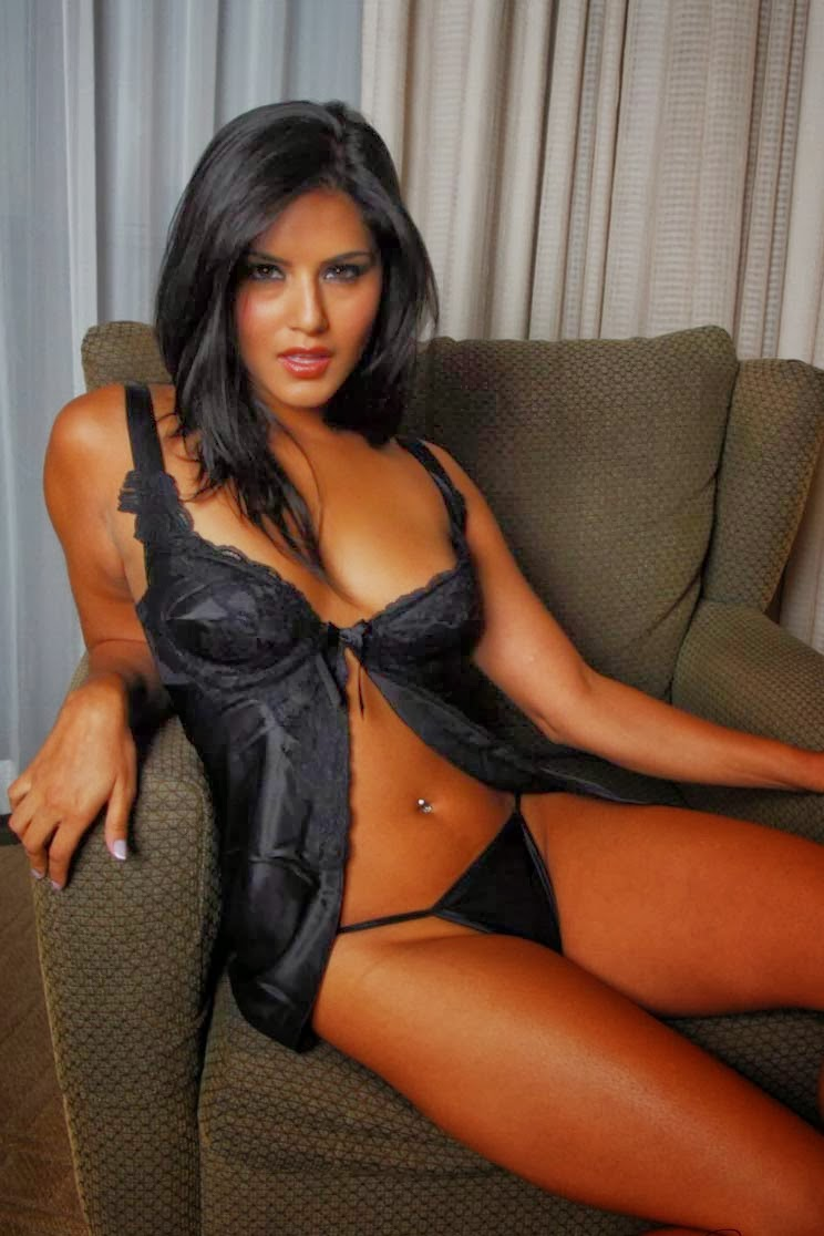 Sunny leone at a luxuruous hotel in white lingerie - 5 2