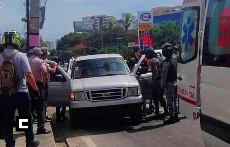 Hombre se pega un plomazo por accidente en la avenida Lope de Vega
