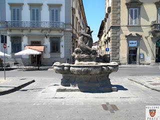 Fontana Delfini - Prato