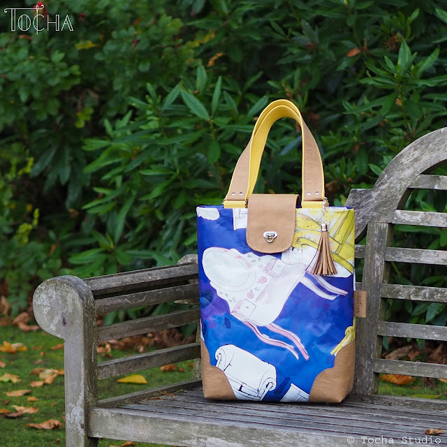 bag corners, collaboration, craft paper, washable paper, dressing table, Justyna Anna Smółka, kanapa, kanapy, Polish artist, sofa, UV print, vegan bag, washpapa, watercolours, linen, Len & Blen,