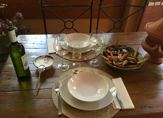 ensalada-en-la mesa