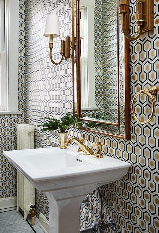 classic bathroom decoration idea