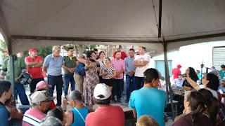 Com o povo nas ruas, prefeito de Picuí entrega obras para população