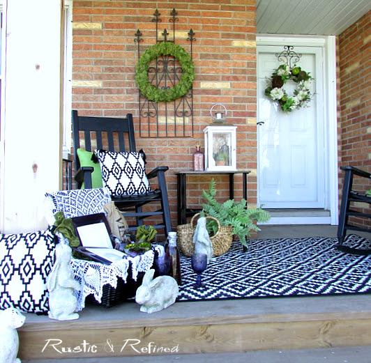 How to decorate a small porch or patio that welcomes friends and family.