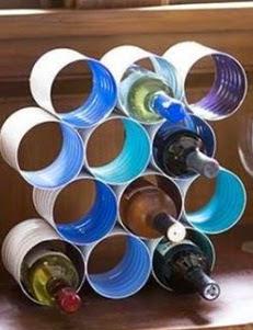 http://www.muyingenioso.com/botellero-reutilizando-latas/