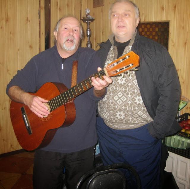 дуэт Батурина и Бабенко (с гитарой)