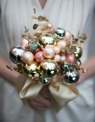Buquê de bola natalinas para casamento