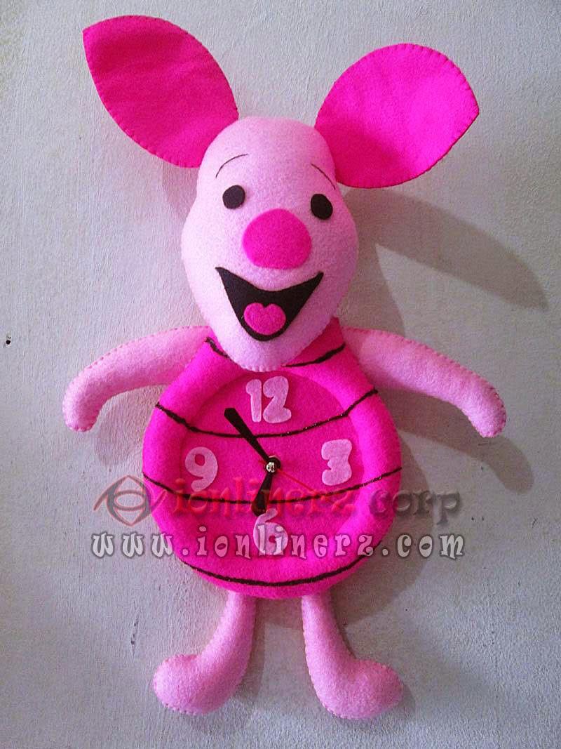 Jam Dinding Flanel Karakter Kartun Boneka Piglet