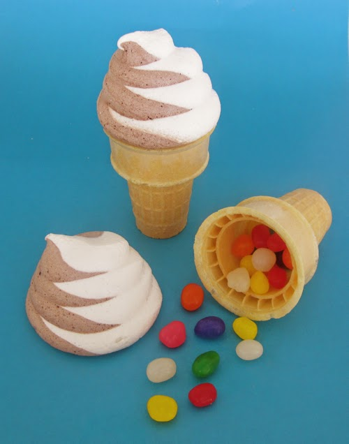 http://blog.dollhousebakeshoppe.com/2011/07/faux-soft-serve-cones.html