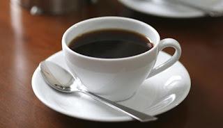 Bau dan rasa kopi menyerupai alarm bagi banyak orang di pagi hari 7 Manfaat Kesehatan Minum Kopi Secara Rutin