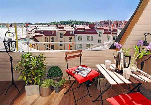 Small Apartment Balcony Decorating Ideas picture