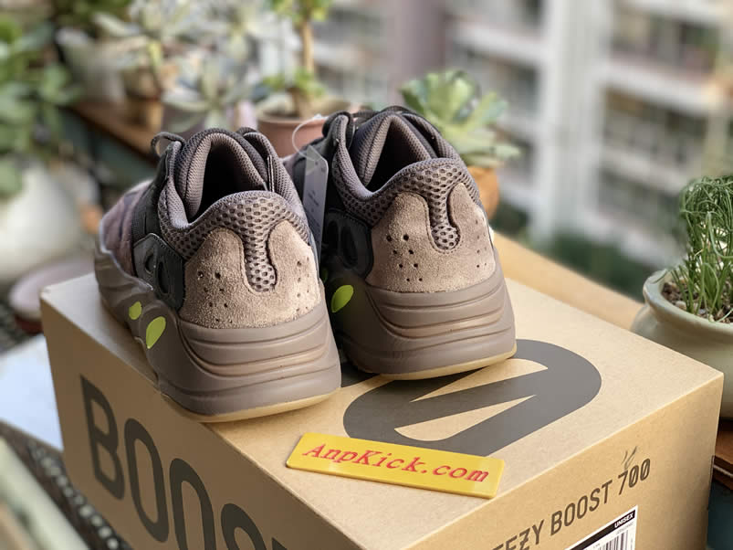 f37b756bde9d0 Yeezy Boost 700  Mauve  Wave Runner Real Images Outfit EE9614 - www.anpkick .com