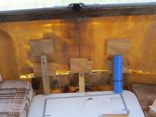 braces on back wall of a fiberglass trailer