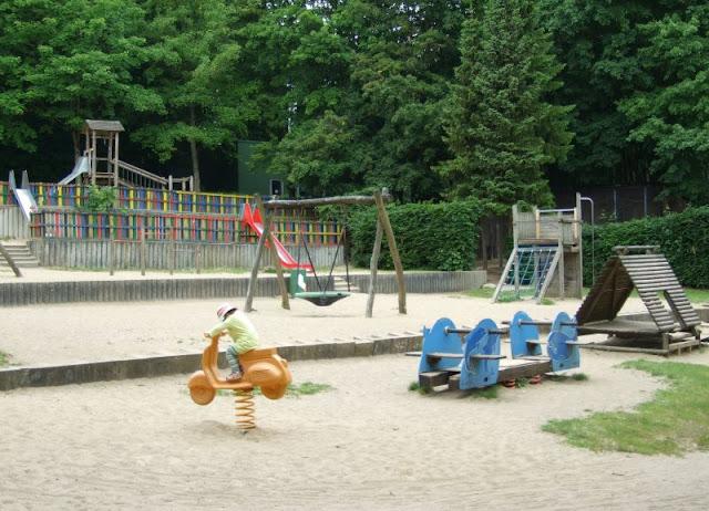 5 Spielplätze im Kieler Süden mit dem gewissen Extra. Auf Küstenkidsunterwegs biete ich Euch eine tolle Übersicht über Kinderspielplätze in Kiel und Umgebung, z.B. auch in Schwentinental!