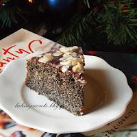 http://www.bakingsecrets.lt/2015/01/tortas-su-aguonomis-rich-poppy-seed-cake.html