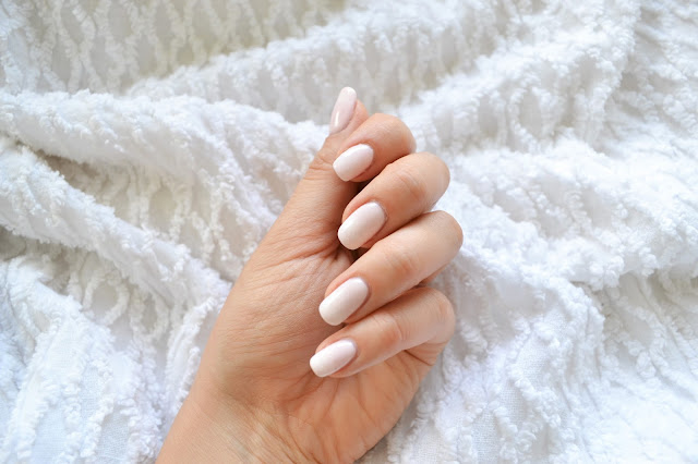 manicure, babyboomer, ombre, biscuit, strong white, semilac,