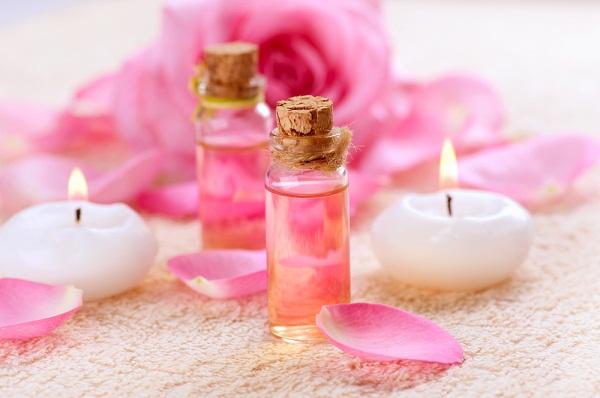 6 استخدامات جمالية مبتكرة لماء الورد