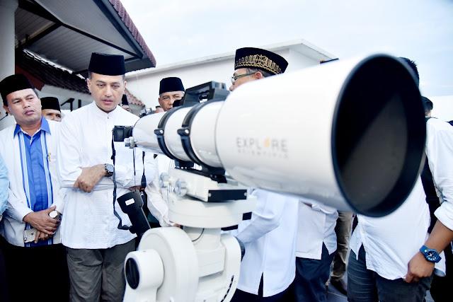Pantau Hilal dari Anjungan Kantor Gubernur Sumut