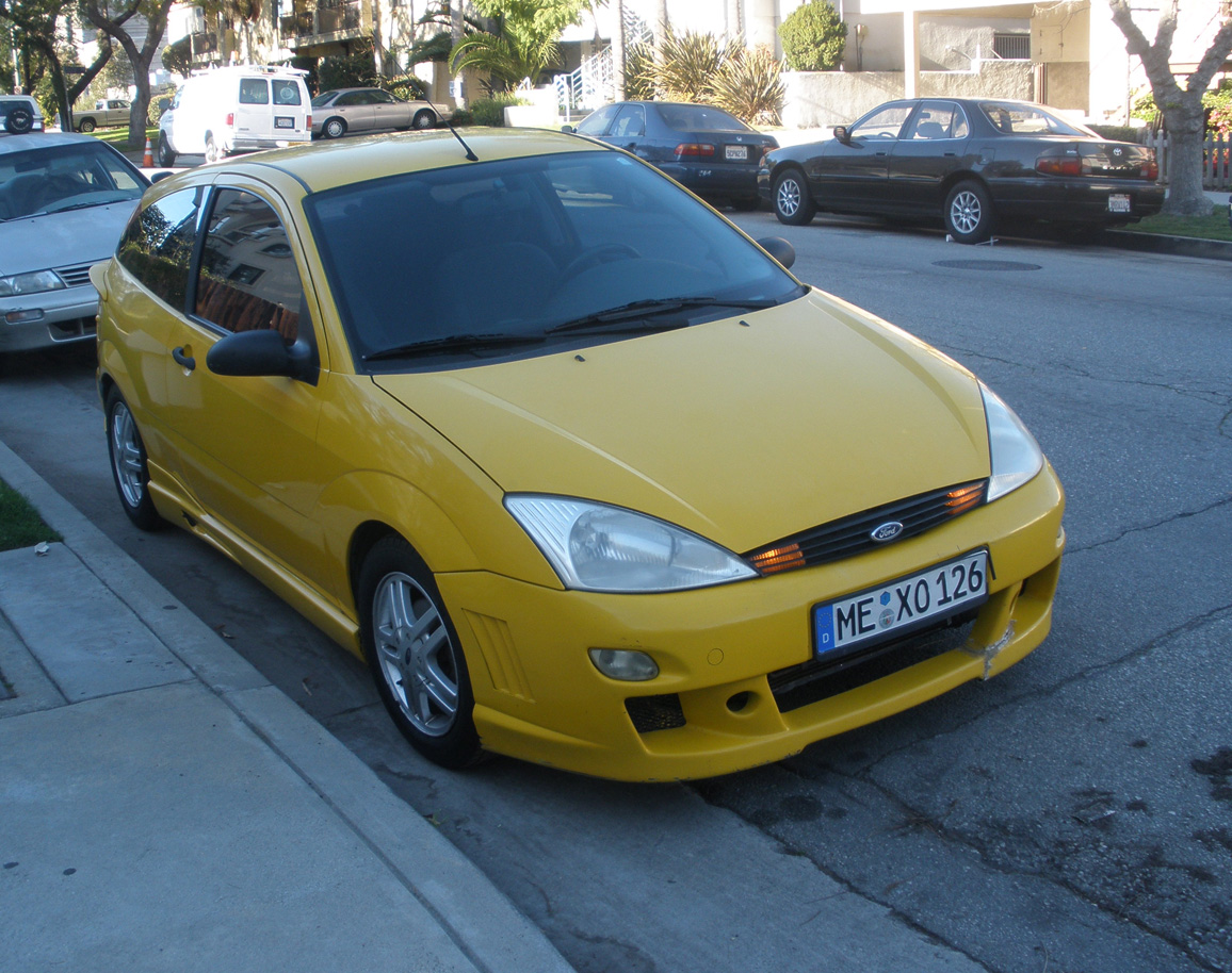 2000 ford focus zx3 for sale 2000 ford focus zx3 2200 o b o west l a 90066. Black Bedroom Furniture Sets. Home Design Ideas