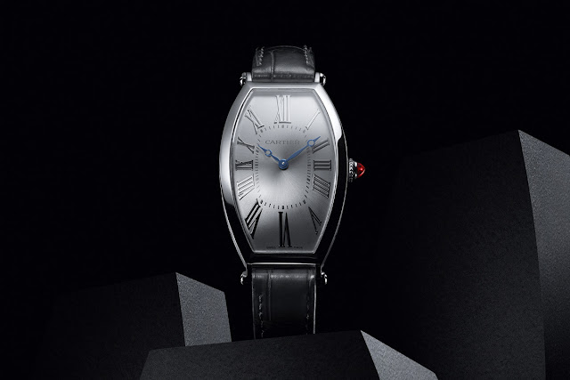 Cartier Privé Collection, Tonneau watches 2019. Platinum model.