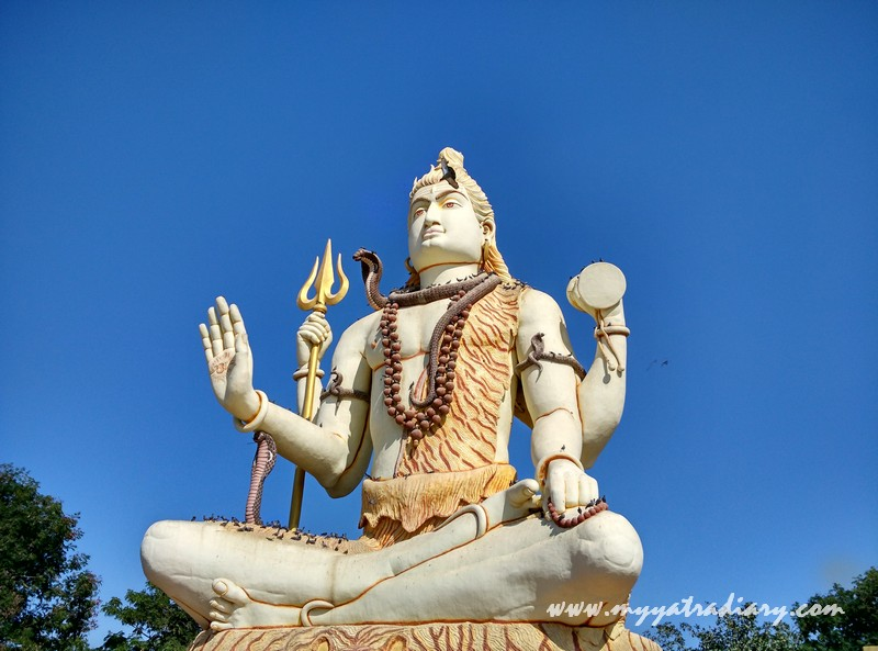 85 feet tall, 45 feet wide Shiva deity at Nageshwar Jyotirling Shiva Temple, Bet Dwarka