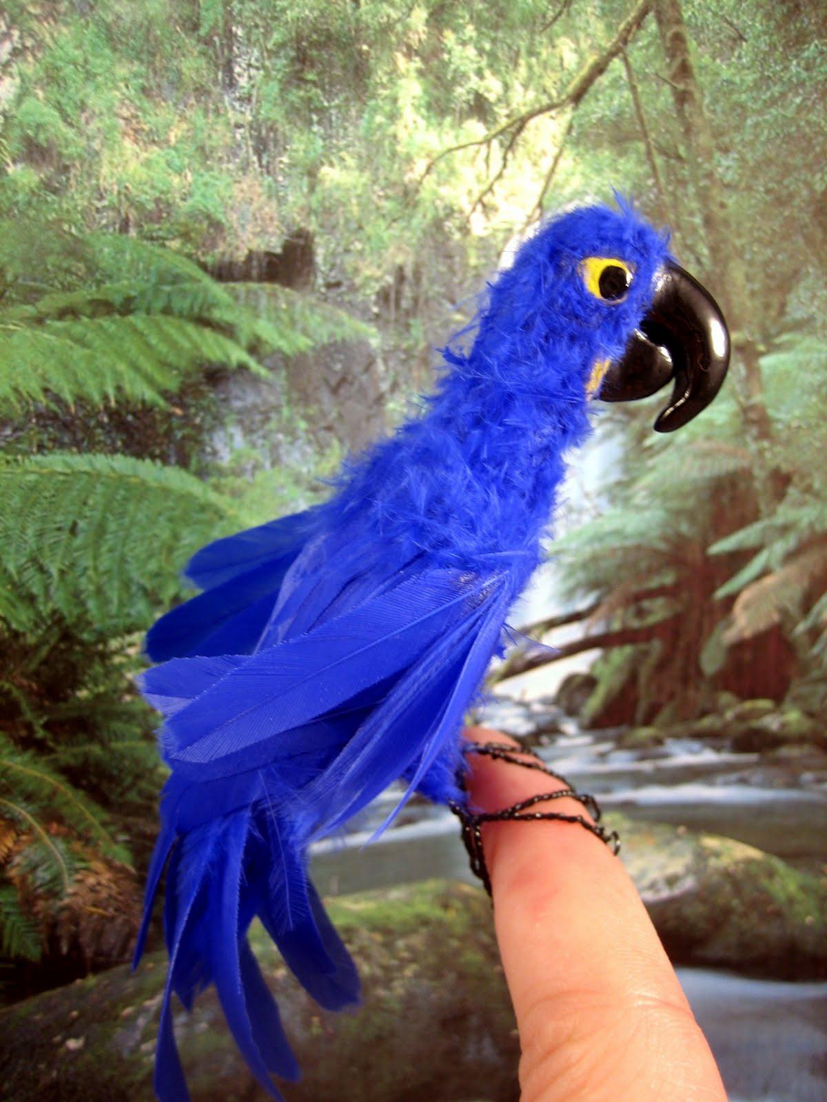 MALINIKminiatures: My first try to make big Hyacinth Macaw