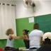 VÍDEO: Professora apanha de aluna após debochar do cabelo da menina, assista
