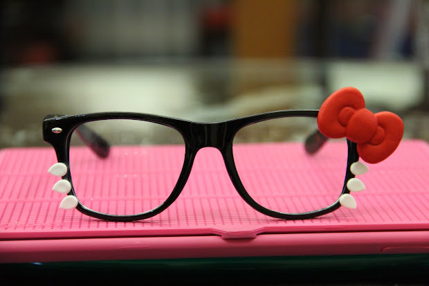 Kiki' Land Icat Sunglasses Aka Kitty Glasses