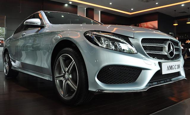 Mercedes C300 AMG thiết kế thể thao mạnh mẽ