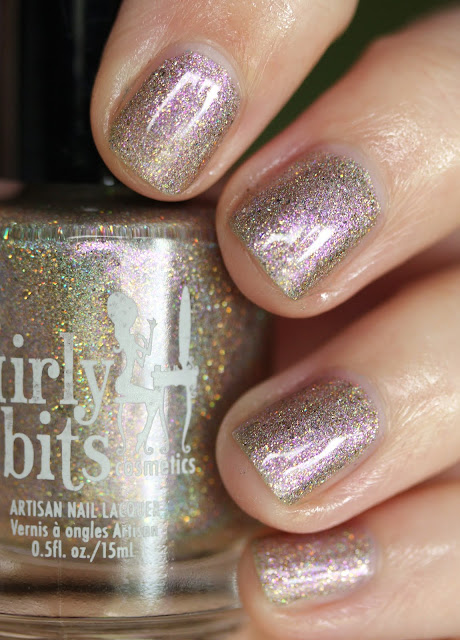 Girly Bits A Kiss on the Chic