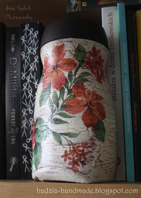 648. Słoik decoiupage z egzotycznymi kwiatami