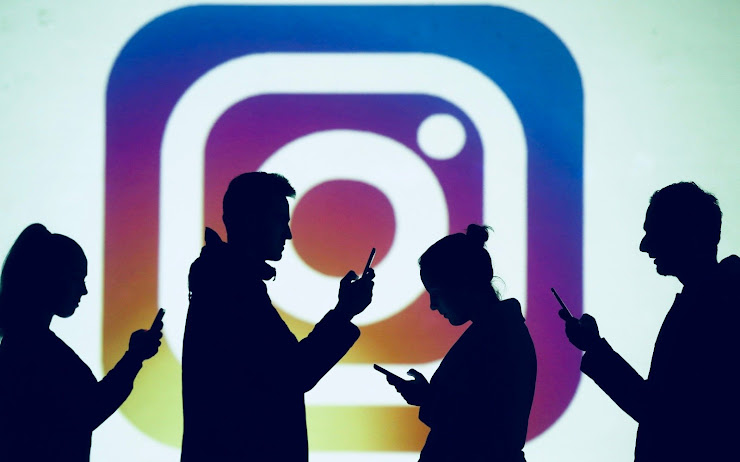 Instagram briefly switched to a horizontal feed and social media users freaked out