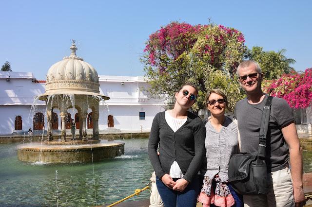 Balade romantique dans le jardin de la reine à Udaipur