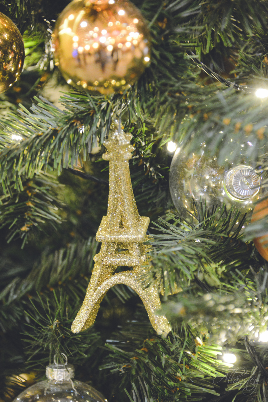 Eiffel Tower Christmas decoration