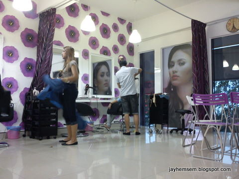 Ruangan Tempat Gunting Rambut Muslimah Rawatan Di Chinta Hair Salon