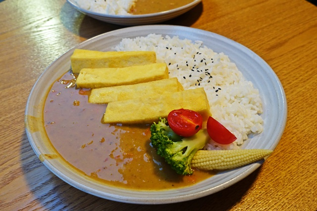 無口小廚煎炸板豆腐咖哩飯