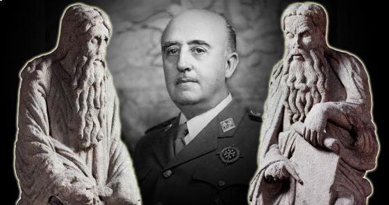 Los Franco tienen en su casa dos esculturas del Pórtico de la catedral de Santiago