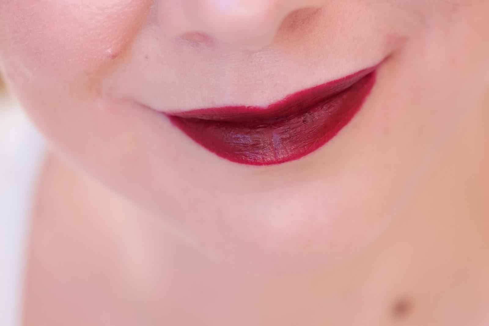 Swatch roter Lippenstift