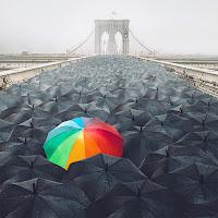 El paraguas de El perro arcoíris sonríe en Cice