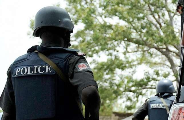 Man shot by unknown Gunmen in front of Bank in Lagos