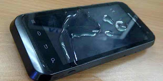 Motorola Defy XT535 Ponsel Android Anti Air dan Tangguh