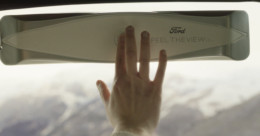 Feel The View - A smart window for blind passengers