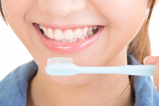 3 Cara Merawat Kesehatan Gigi yang Baik dan Benar