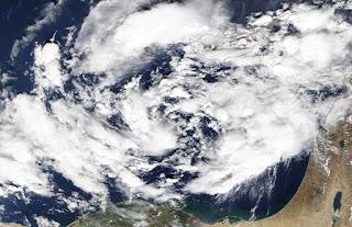 ماذا تعرف عن إعصار «ميديكين» الذي يقترب من مصر