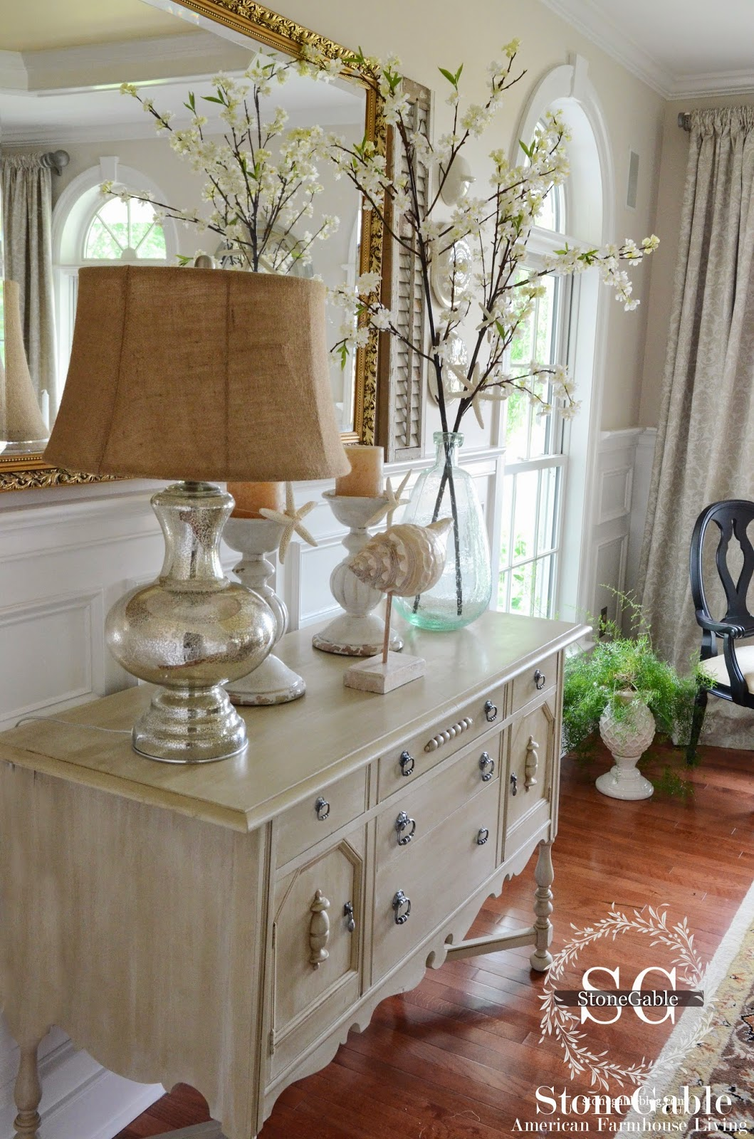 Mueble Buffet Comedor Elements Of Summer Chic Beach In The Dining Room Stonegable