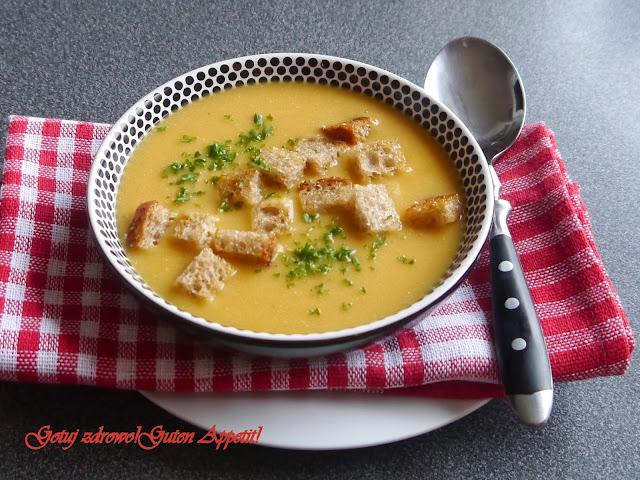 Zupa krem z czerwonej soczewicy i marchewki z grzankami - Czytaj więcej »