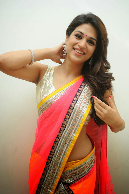 Actress Shraddha Das Beautiful Images
