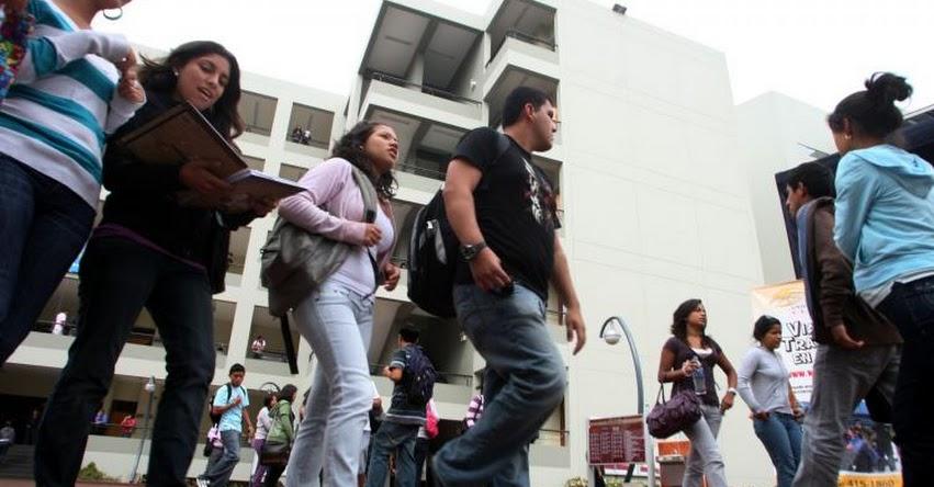 Presentan al Congreso Proyecto de Ley para que universidades privadas paguen impuestos