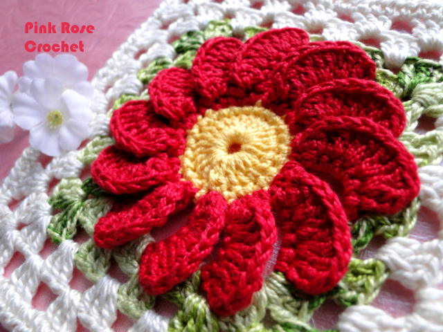 Piastrella all uncinetto con fiore in rilievo tutorial parte